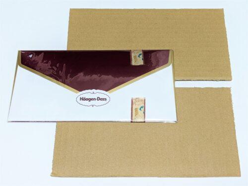 ハーゲンダッツギフト用封筒とダンボール2枚